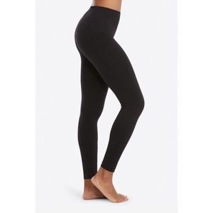 Spanx Look At Me Now Seamless Black 7/8 Leggings, Size Small